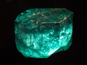 Aquamarine birthstones which can be found in NH pawn shops
